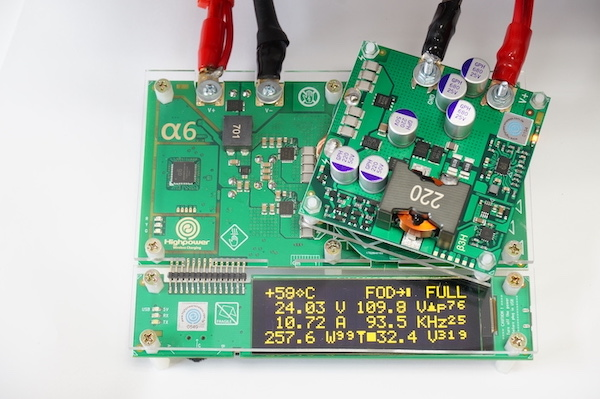 This reference design is able to operate at 300 W with 90% efficiency while the transmitter and receiver controllers are 5-10 mm apart.