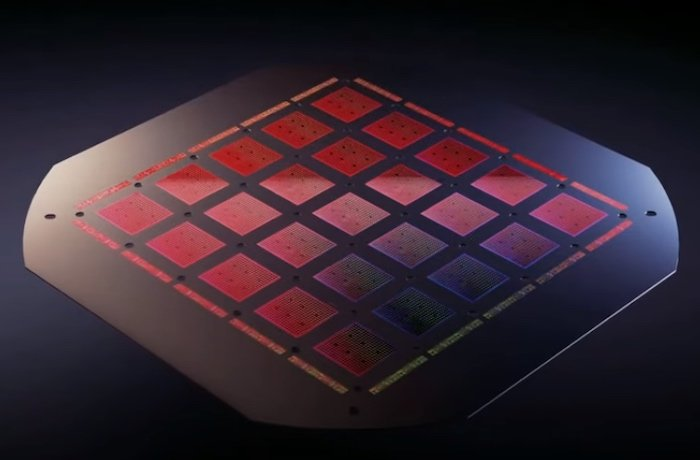 A training tile consists of 25 D1 chips