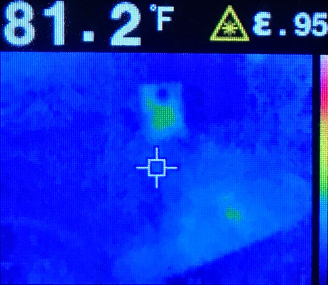 Thermal image of the power supplies