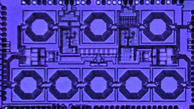 Microphotograph of single-chip circulator.