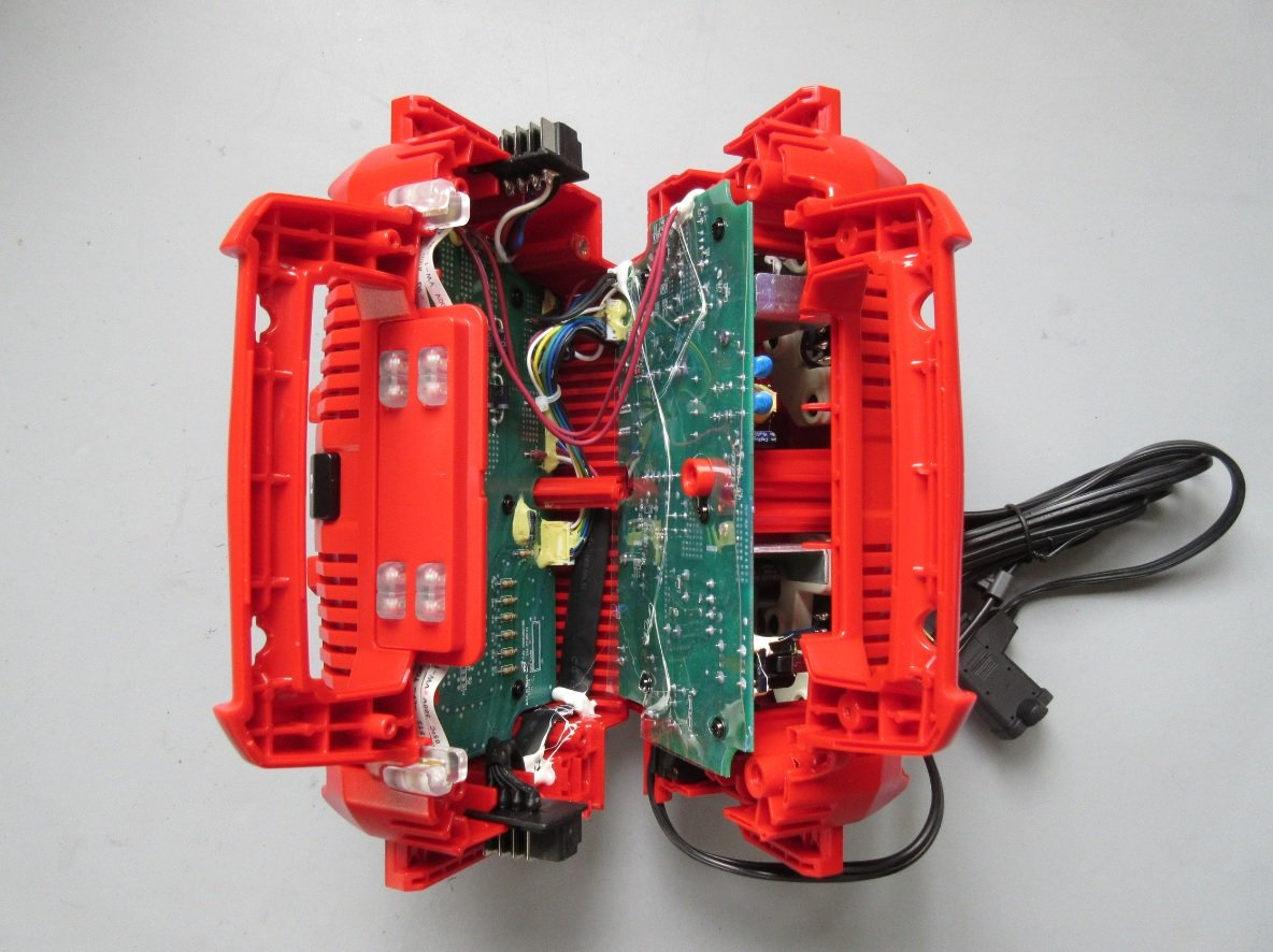 Teardown Tuesday Battery Charger News Electronics O View Topic Help With Batteries And Circuit But Once The Eight Or So Nuisance Screws Were Removed I Was Able To Get My First Glance At Internal See Figure Below
