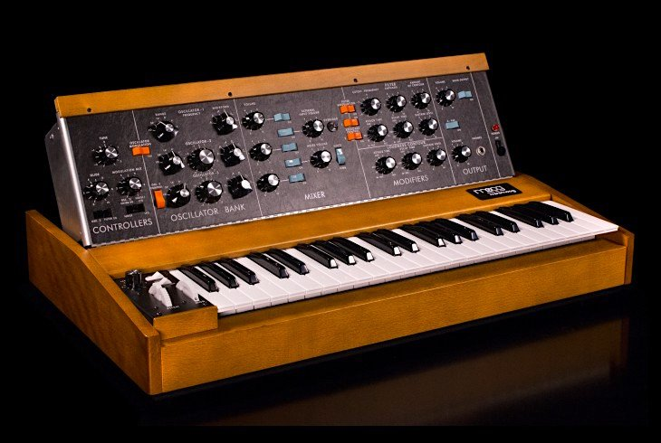 Minimoog Model D synthesizer