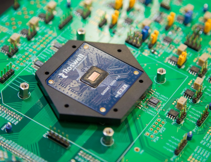 Roswell's molecular electronic chip