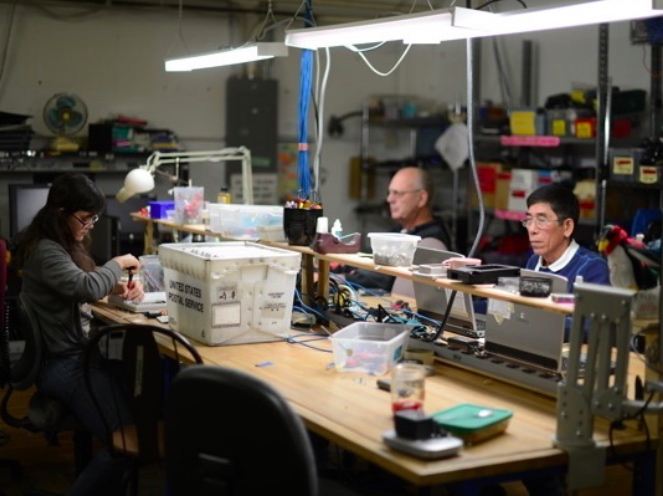 The right to repair movement argues that legislation will create more jobs for hardware professionals and technicians
