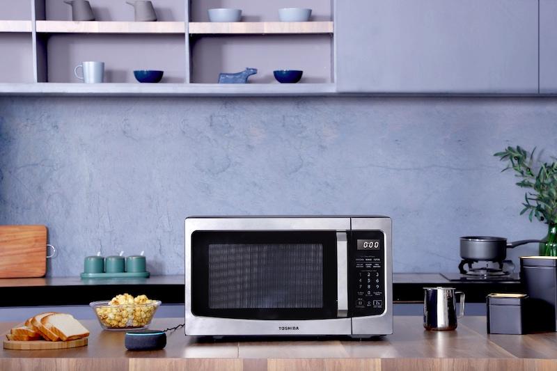 Toshiba's new smart microwave