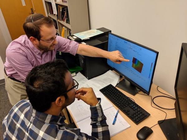 University of Maryland researchers Dr. Raphael Mandel and Harsimran Singh.