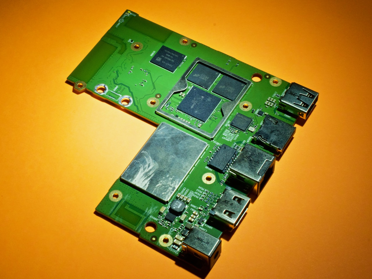 The Top of the only pcb in the fire tv