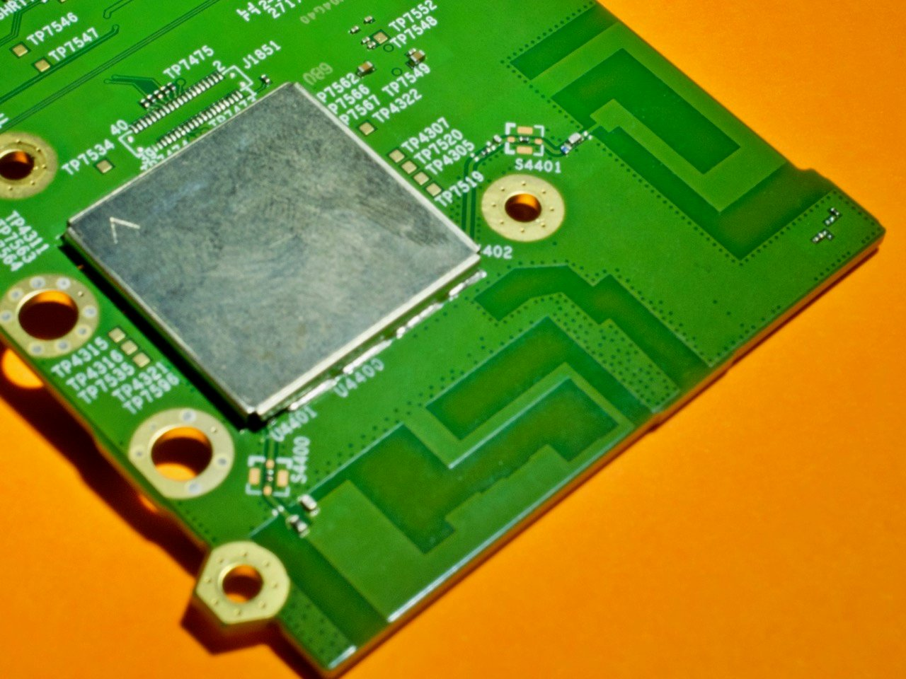 The 2.4ghz and 5.8ghz antenna