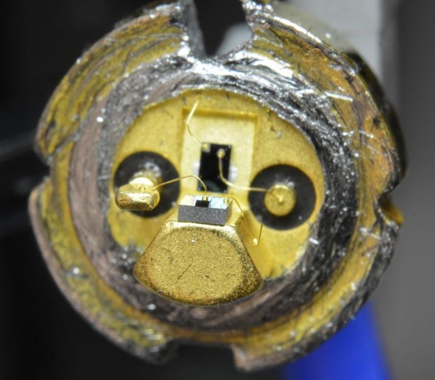 hook up laser diode Dating antiek glaswerk