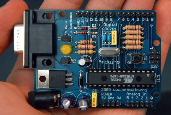 Control Your AC Mains with a Microcontroller