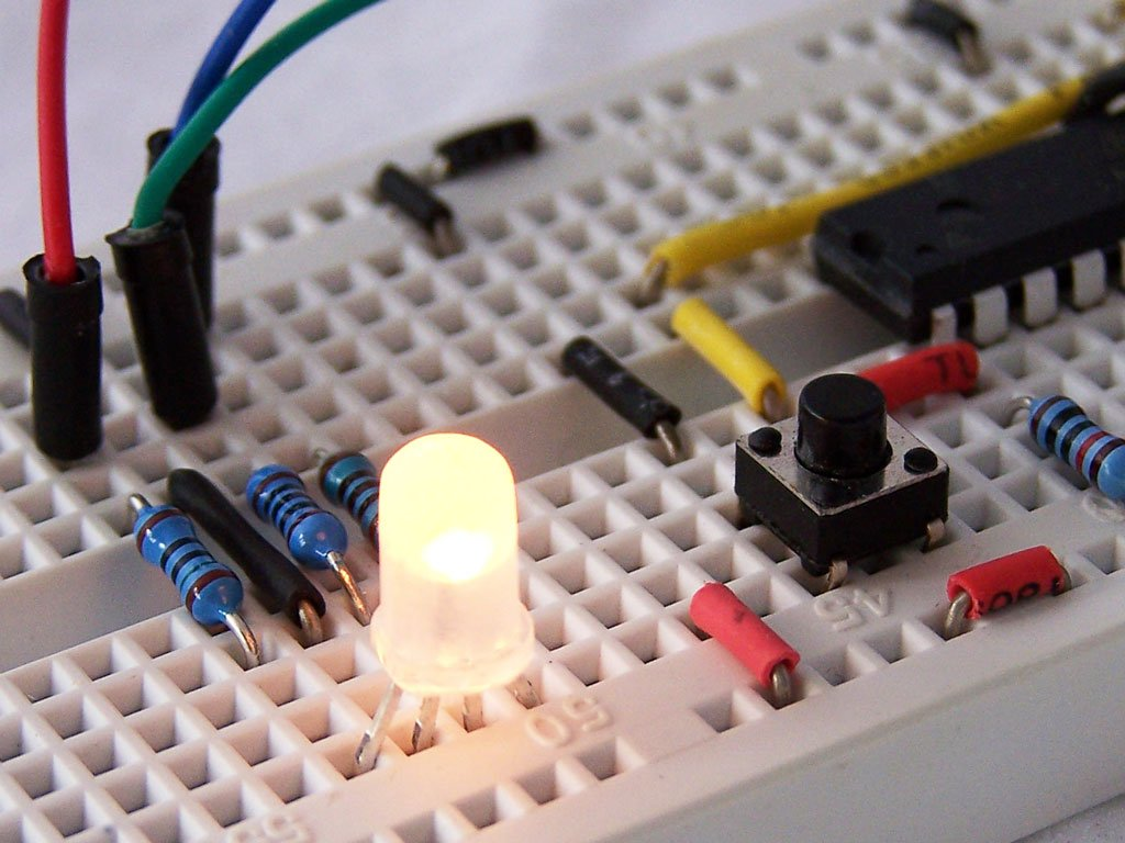 Modeling The Pulse Width Modulator Pwm Electronics Forum Circuits Projects And Microcontrollers